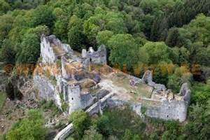 Ruines du château de Montaigle
